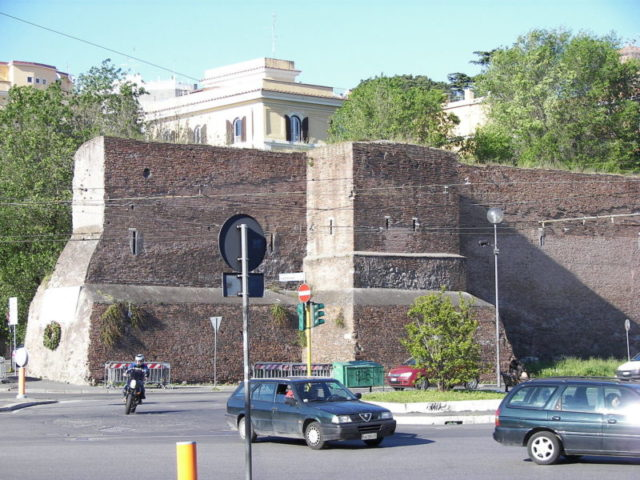 Part of the wall that stands close to Pyramid of Caius Cestius. Author:Wknight94 –CC BY-SA 3.0