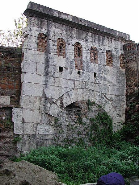 Porta Clausa. Author:Fabio Piferi –CC BY-SA 2.5