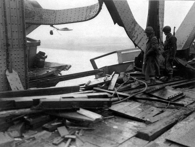 Damage to the southern side of the Ludendorff Bridge from the failed German demolition charge on the eastern pier