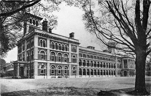 Engraving of the west wing.