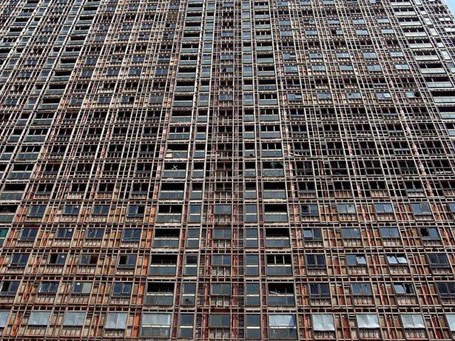 Preparing the building for demolition. Author:Daniel Naczk –CC BY-SA 4.0