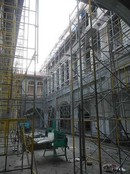 Renovating the church. Author:Judgefloro –CC0