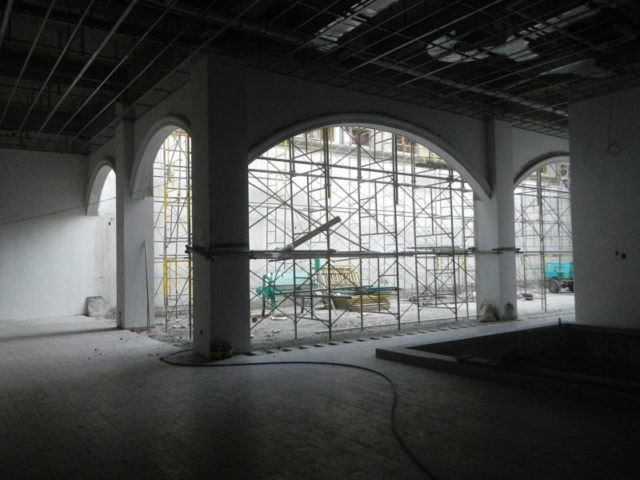 The church during the renovation process. Author:Judgefloro –CC0