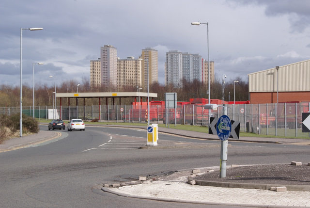 The Red Road Flats complex in the distance. Author: Thomas Nugent – CC BY-SA 2.0