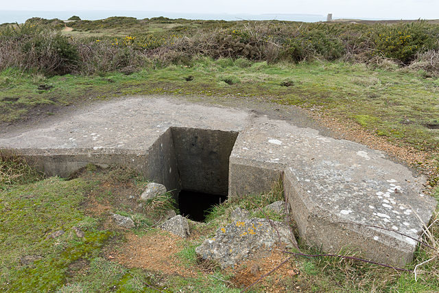 Another bunker entrance/ Author: Danrok – CC BY-SA 3.0