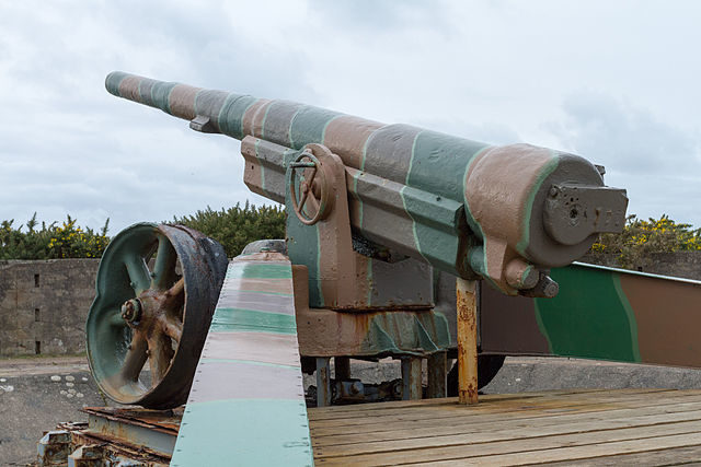 A 6-inch K 418(f) gun is on display at the site/ Author: Danrok – CC BY-SA 3.0