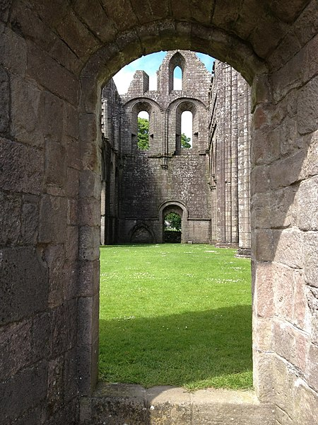 Part of the interior. Author: LornaMCampbell–CC BY-SA 4.0