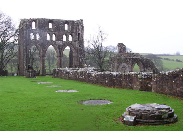 Part of the ruins. Author: Hopmans –CC BY-SA 3.0