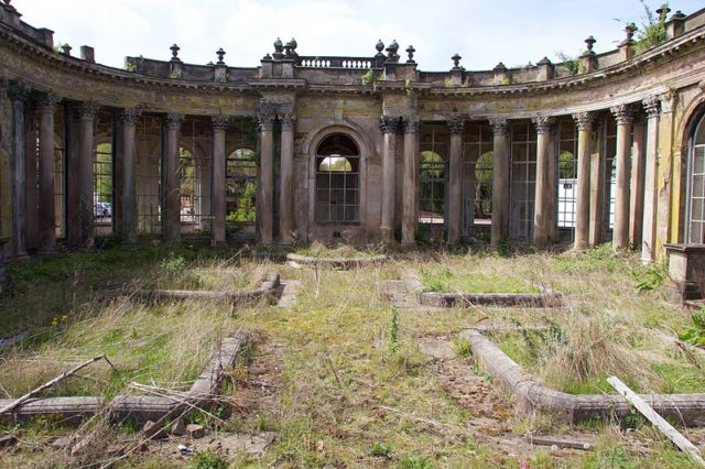 Part of the ruins in 2015. This was once the grand entrance to one of England's finest houses. Author: Mike Peel –CC BY-SA 4.0