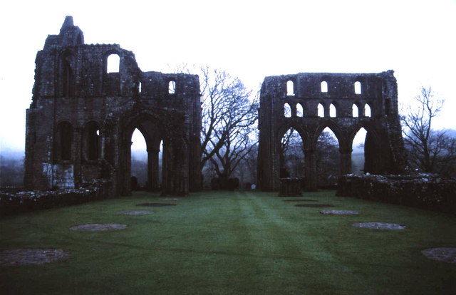 Ruins at dusk. Author:Anthony O'Neil –CC BY-SA 2.0