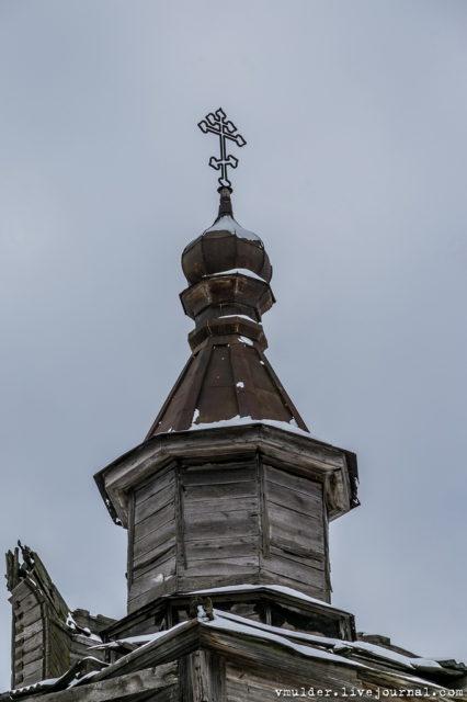 Despite the pogroms of Orthodox churches in the 1920s, the church still has crosses © Vladimir Mulder