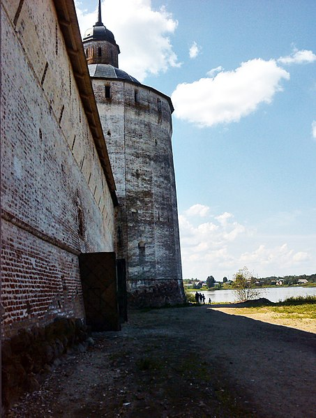 A closer view of the walls. Author:Vadim Fedin –CC BY 3.0