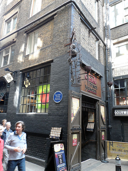 Photo of the Clink Prison Museum. Author:Spudgun67 –CC BY-SA 4.0