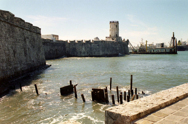 The fort in 2002. Author: Ken Eckert – CC BY-SA 4.0