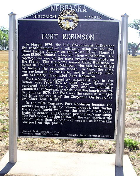 Fort Robinson Plaque. Author: Patrickdf – CC BY-SA 3.0
