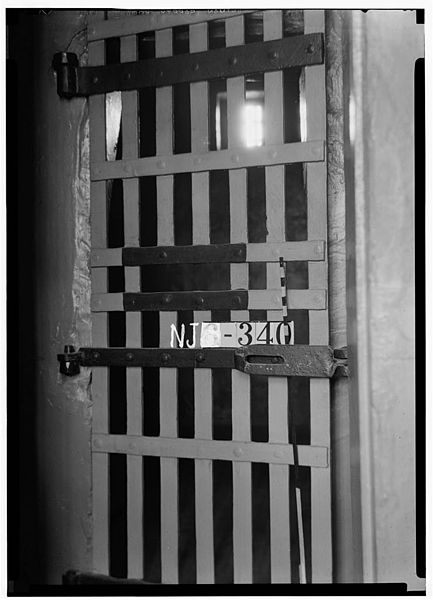 Photo of a murderer's prison cell. Author: Library of Congress
