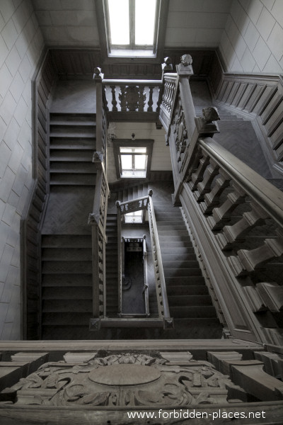 The main staircase ©Sylvain Margaine forbidden-places.net
