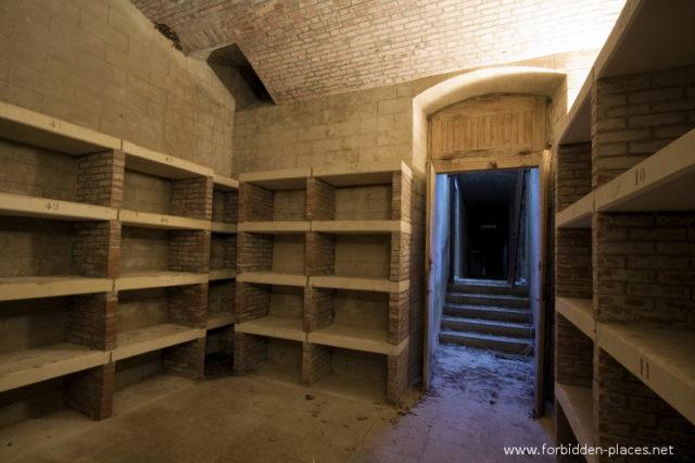 Wine cellar ©Sylvain Margaine forbidden-places.net