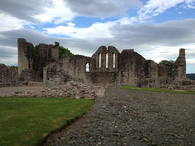 It is one of the most complete examples of a 13th century castle in eastern Scotland/ Author: AJfromCO CC BY-SA 3.0