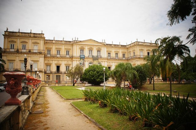 Front view of the Brazilian National Museum before the fire. Author: Demetrius William Lima – CC BY-SA 4.0