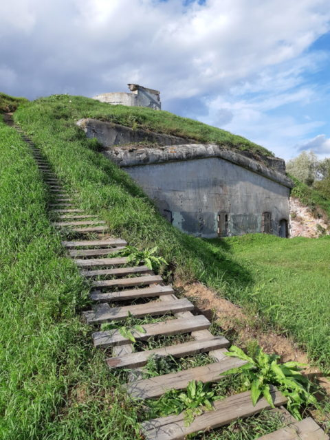 One more abandoned fort, Schanz, on the way to the destination