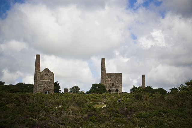 The site was left forgotten and overgrown with vegetation for many years/ Author: Darren Shilson CC BY 2.0