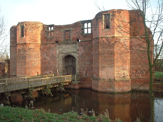 The exterior of the gatehouse/ Author: Soloist – CC BY-SA 3.0