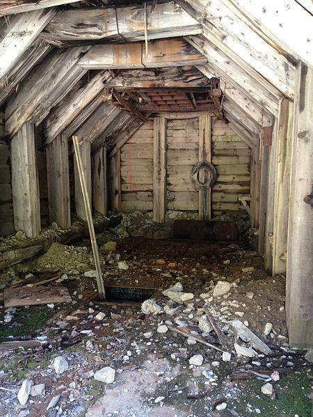 An abandoned Burke mine shaft. Author:Alex Kyrios –CC BY-SA 3.0