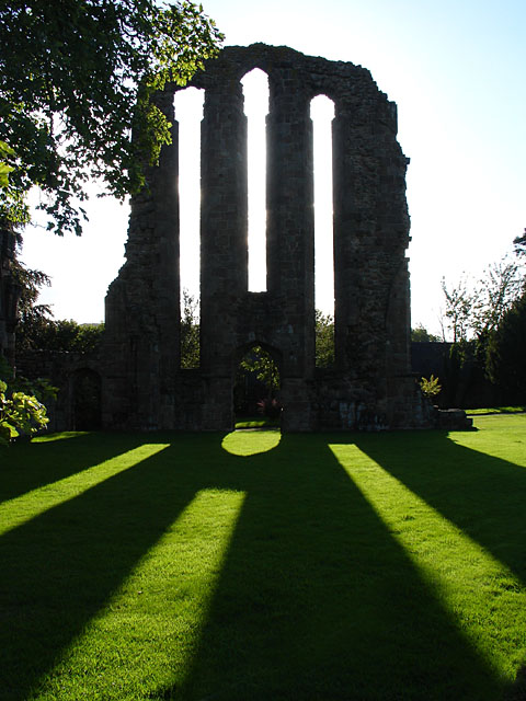 The west front of the abbey church/ Author: Linda Bailey CC BY-SA 2.0