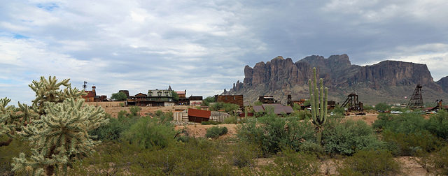 A general overview of Goldfield. Author:Cindy Devin –CC BY 2.0