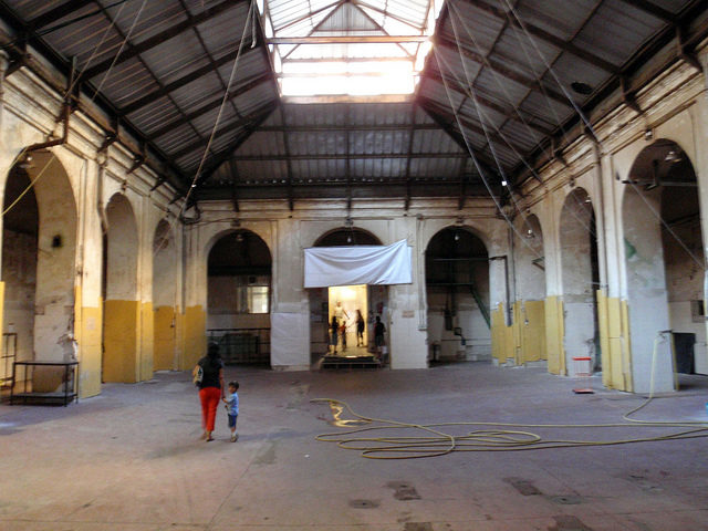 Inside one of the Tabacalera's halls – Author: Daniel Lobo – CC BY 2.0