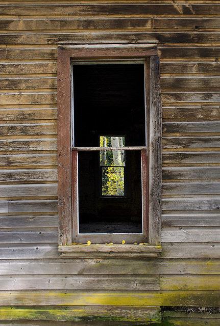 Closeup of an abandoned window. Author:John Fowler –CC BY 2.0