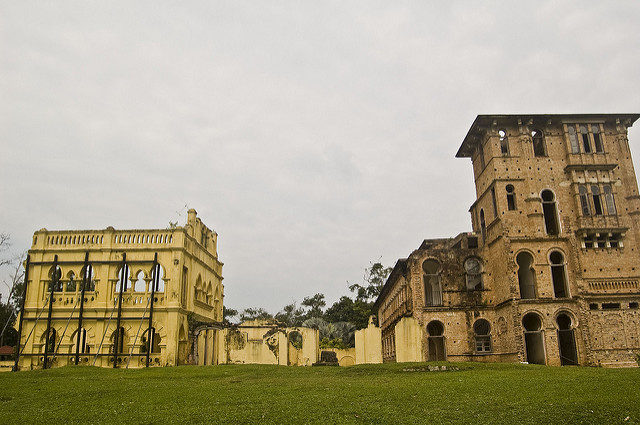 Side view of Kellie's Castle. Author: chee.hong CC BY 2.0