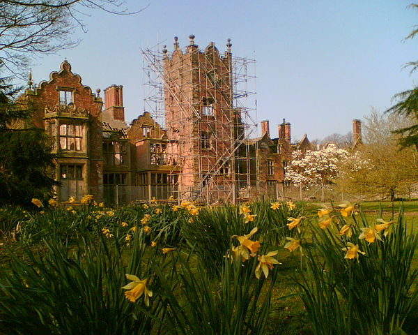 Daffodils on the Tower Lawn at Bank Hall with a view of the south elevation of the hall. Author: Bankhall CC BY-SA 3.0