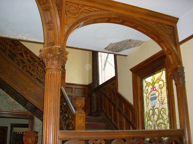 Rufus Rose House, front foyer. Author: Jeff Clemmons CC BY 3.0