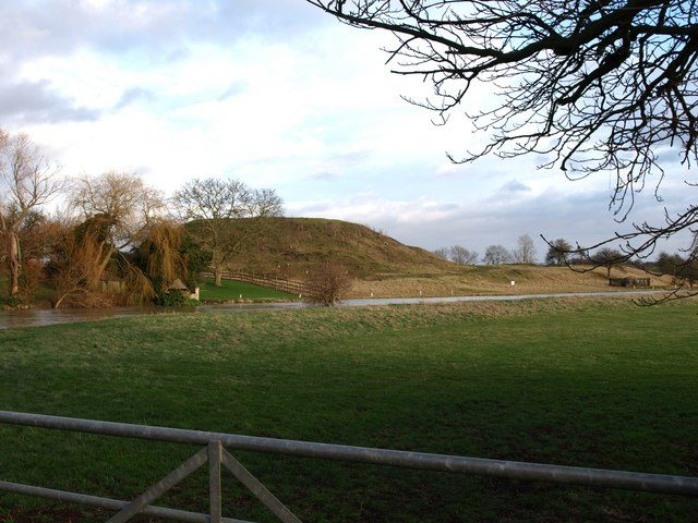 The motte of Fotheringhay Castle. Author:Ian Simons CC BY-SA 2.0