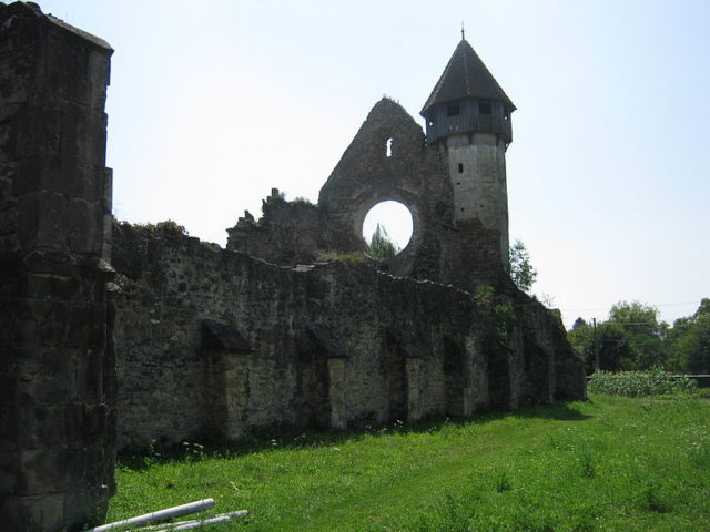The Cistercian Abbey of Cârța was built in the 12th century. Author:Ionut bleu –CC BY-SA 3.0 ro