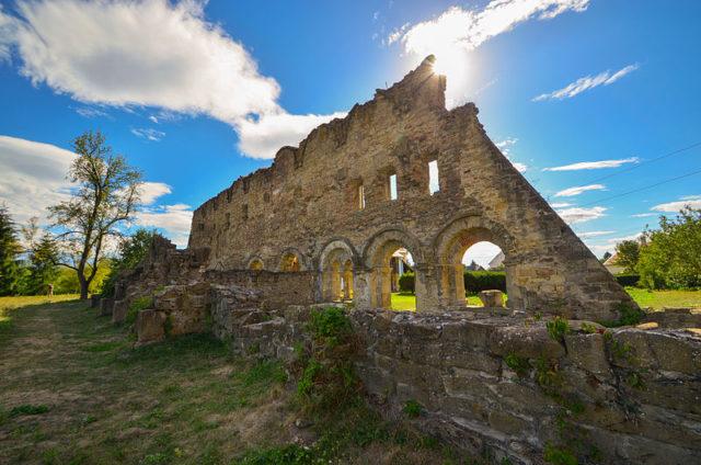 Part of the ruins. Author:daria raducanu –CC BY-SA 3.0 ro