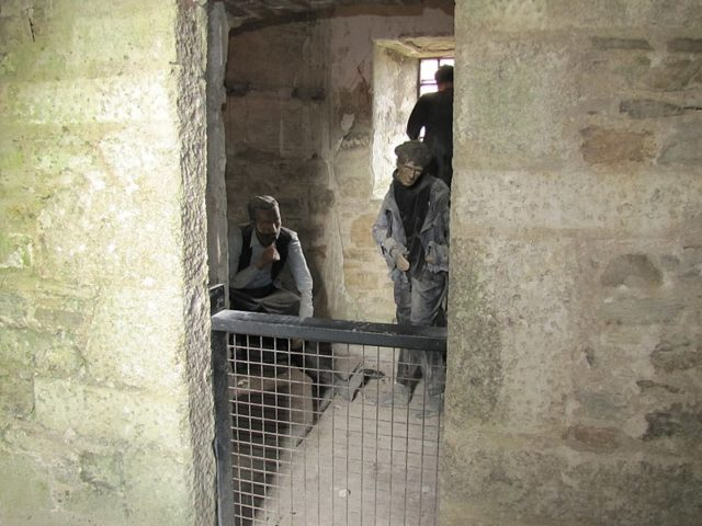 A typical jail cell shows the cramped conditions. Author:Robert Linsdell CC BY 2.0