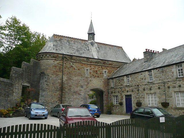 The Bodmin Jail Gatehouse overlooks the courtyard. Author: Humphrey Bolton CC BY-SA 2.0