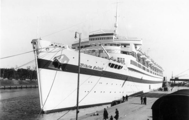 Wilhelm Gustloff as a hospital ship. Author: Bundesarchiv, Bild – CC BY-SA 3.0 de