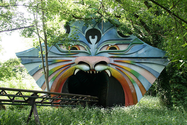 The Spell Dragon Ride, later relocated to Spreepark, has some amazing designs.