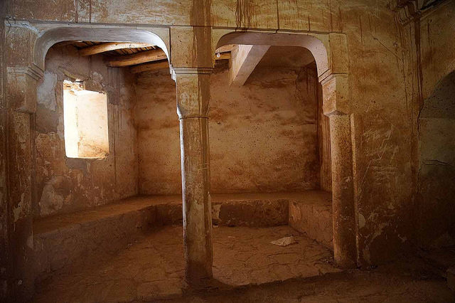 Abandoned & in Decay baths in Telouet Kasbah – Author: Heribert Bechen .. max. 17.000 visits per day – Flickr – 0363_marokko_31.03.2014 CC BY 2.0