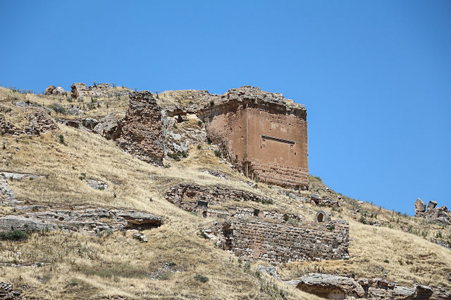 The fortress of Rumkale on the river Euphrates, Turkey – Author: Bermard Gagnon CC BY-SA 3.0