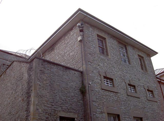 Part of the facade. Author: Neil Owen CC BY-SA 2.0