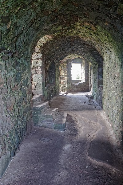 The castle interior. Author: Dirtsc – CC BY-SA 4.0