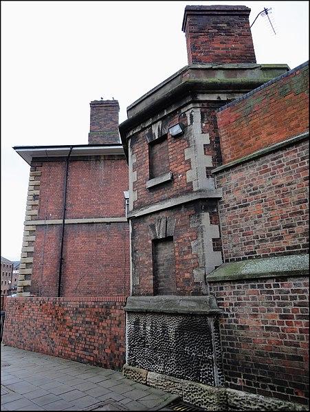 The prison's exterior. Author: bazzadarambler – CC BY 2.0