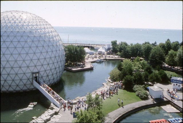 The entrance of The Cinesphere at Ontario Place, Toronto – Author: Archives Of Ontario – CC BY 2.0