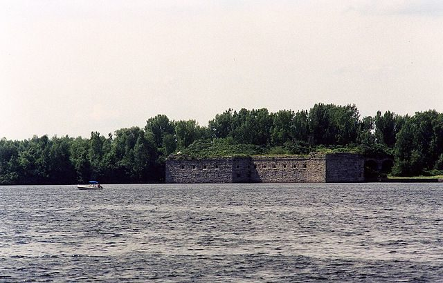 Fort Montgomery on Lake Champlain – Author: Squelle – Public Domain