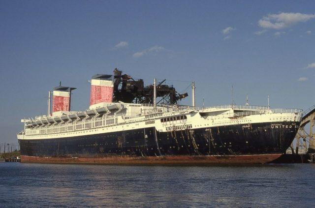 The ship in 1989. Author: René Beauchamp – CC BY-SA 4.0